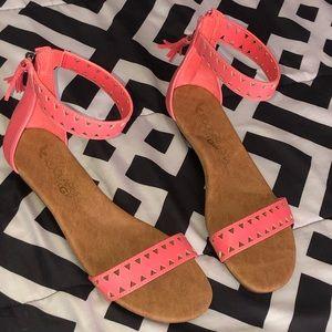 Coral sandals -Size 8.5 but fit size 9